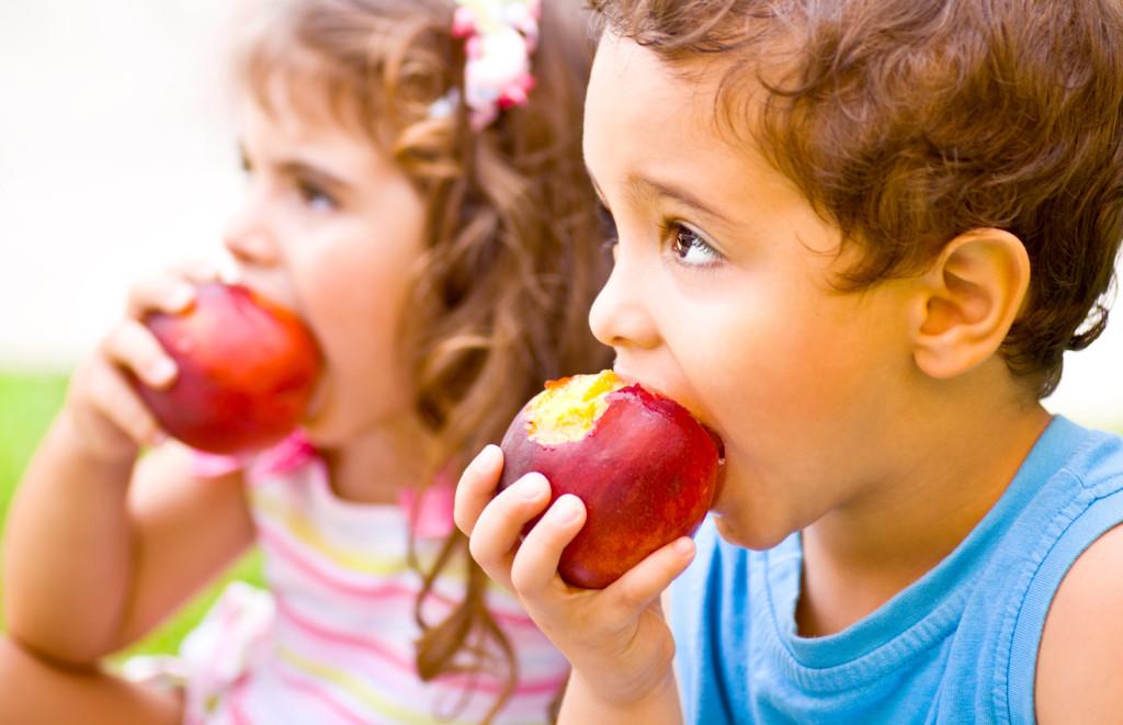 детям полезны фрукты