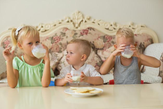 детям нужно молоко
